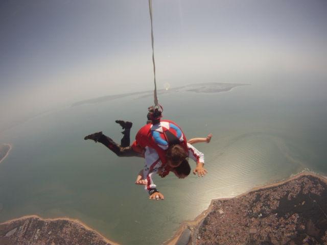 chute-libre-au-dessus-de-la-mer
