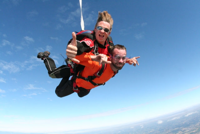 trop-cool le saut en parachute en Vendée